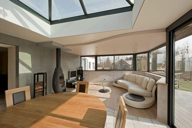 agrandir la salle manger avec une v randa design. Black Bedroom Furniture Sets. Home Design Ideas