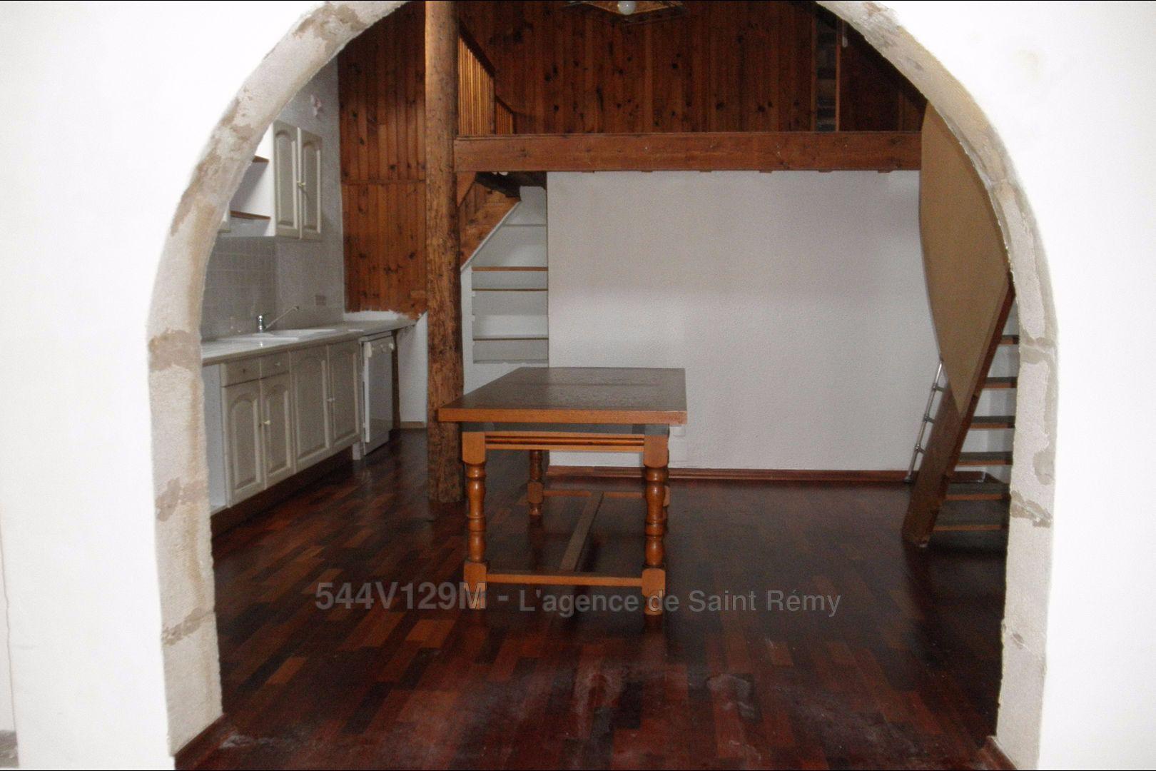 vendre ou louer un bien saint r my de provence comment se d cide. Black Bedroom Furniture Sets. Home Design Ideas